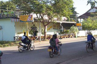 Lao-thakhek-tontankaraoke laos tha khek nakhon phanom thailand mekong visa