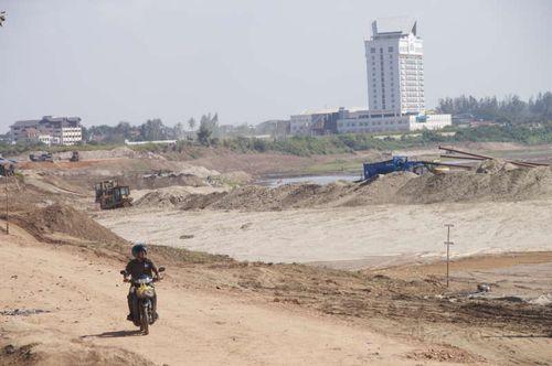 Lao-vientiane-project4 riverside mekong kho jai deu bor pen nyang samlo don chan tuk tuk morning market talat sao mall