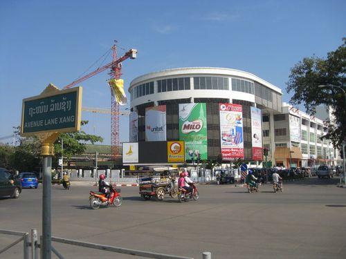 Lao-vientiane-morningmall riverside mekong kho jai deu bor pen nyang samlo don chan tuk tuk morning market talat sao mall bus terminal visa thiland border