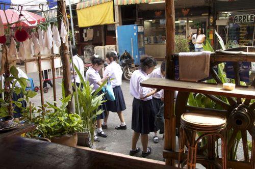 Bkk-soi22-students