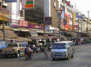 Bkk_huaykwang_street2