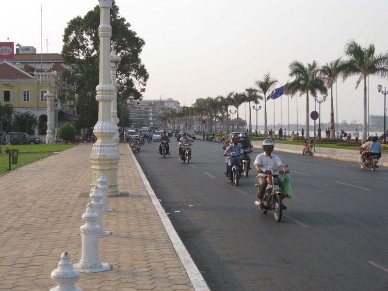 Blog-phnompenh-riversidenorth