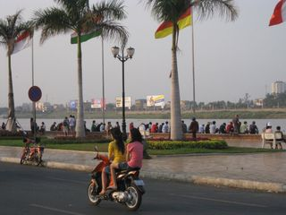 Blog-phnompenh-riverside5