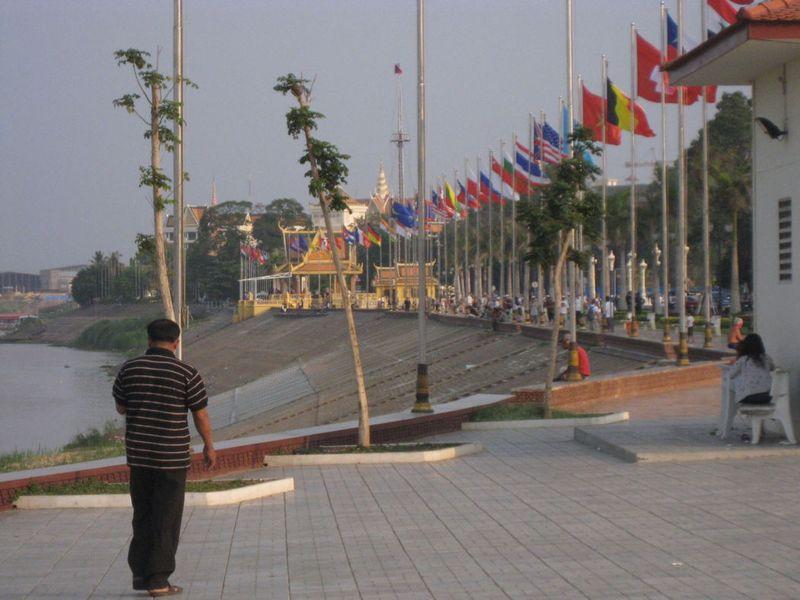 Blog-phnompenh-riverside