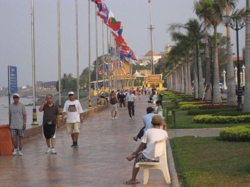 Blog-phnompenh-riverside2