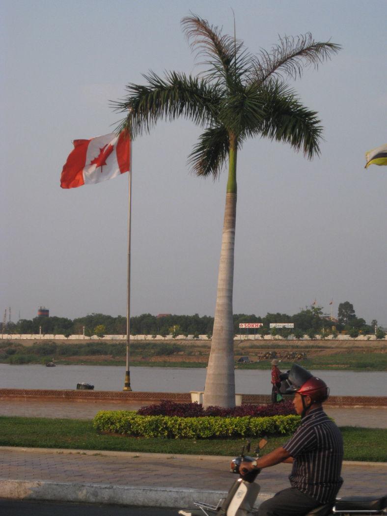 Blog-phnompenh-riverside-cdnflag